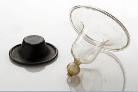 L0065101 Glass nipple shield, 1851-1900