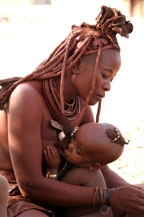 Namibia, a woman and her infant Photo by Yves Picq (2007)